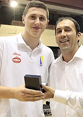 Tournament MVP Jusuf Nurkic (Bosnia and Herzegovina) with National Federeation Secretary General Harun Mahmutovic